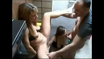 https://www.malayporn.co/video/951/germany-spycam-filmed-under-the-sun-bank/