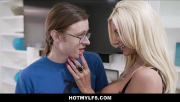 Japanese schoolgirl blowjob fingered before