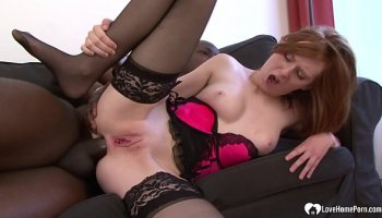 Single mom love to fuck with young guys
