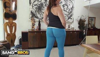 https://www.malayfuck.net/video/276/telugu-girl-sucking-big-cock-in-car/