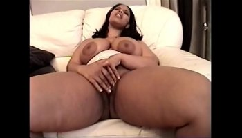 Big oiled tits hard worker fucks herself in a car repair shop