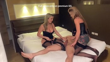 gianna michaels and faye reagan strap