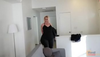 https://www.malayfuck.net/video/2287/horny-jynx-maze-toys-her-ass-with-a-dildo-solo/