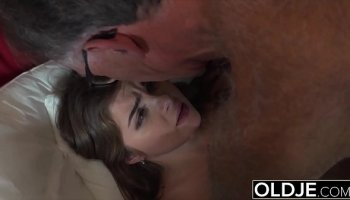 https://www.malayfuck.net/video/2557/secret-weekend-with-my-grandpa/