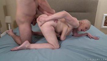 https://www.malayfuck.net/video/3893/beautiful-sex-with-a-mature-beauty/
